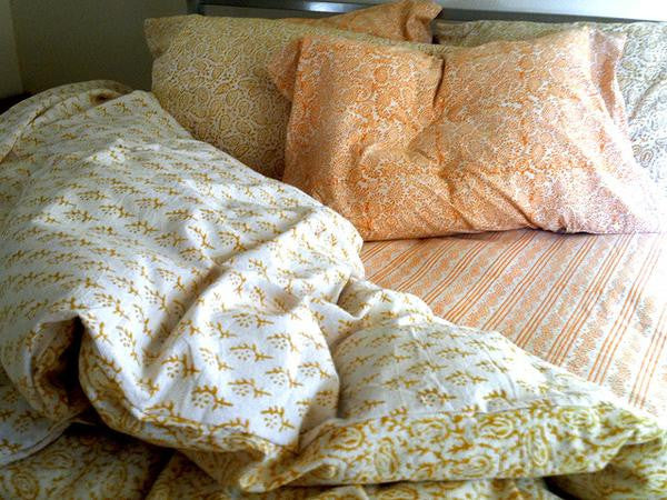 Tilonia® King Duvet Set - Paisley & Sprig in Mustard Yellow