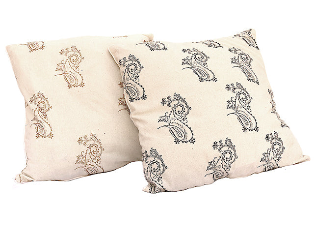 Tilonia® Decorative Pillow in Fancy Paisley in Gold
