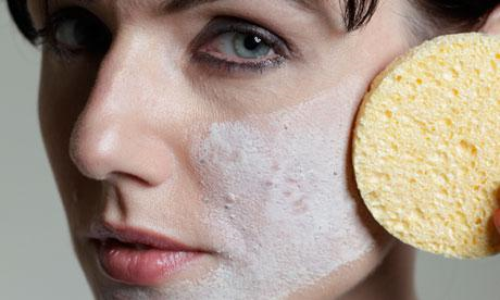 Can your Makeup cause your Breakouts & Acne?