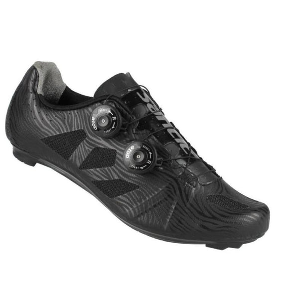 Santic Pro Cycling Shoes - Nylon Sole - Trevs Cycle Shop
