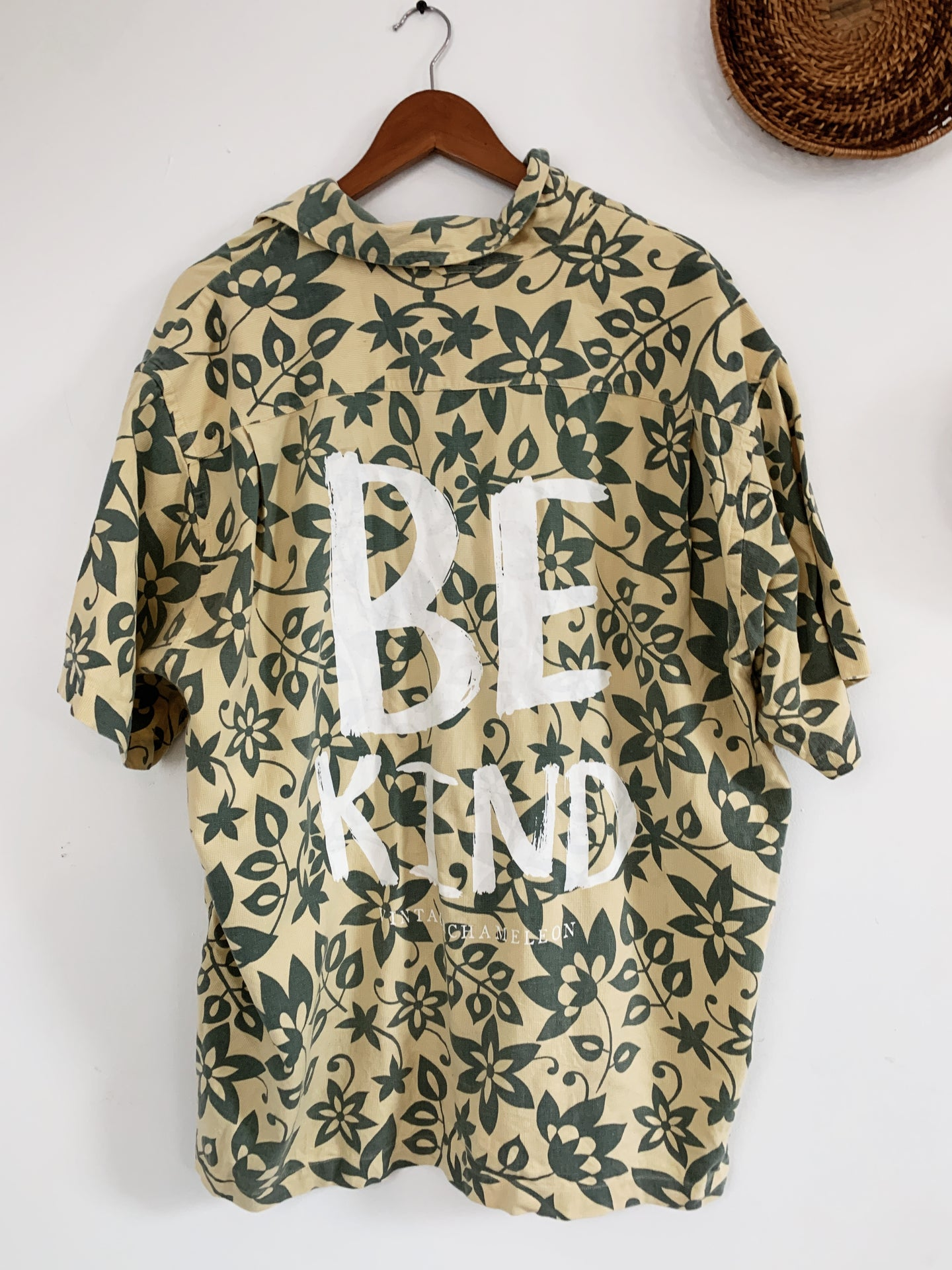 Be Kind Hawaiian Shirt XL - VintageChameleon