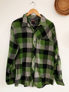 Green Checkered Plain Flannel size Large - VintageChameleon