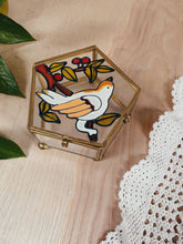 Load image into Gallery viewer, Vintage Bird Jewelry Box - VintageChameleon