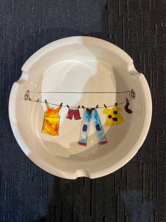 Ash tray - clothesline pattern