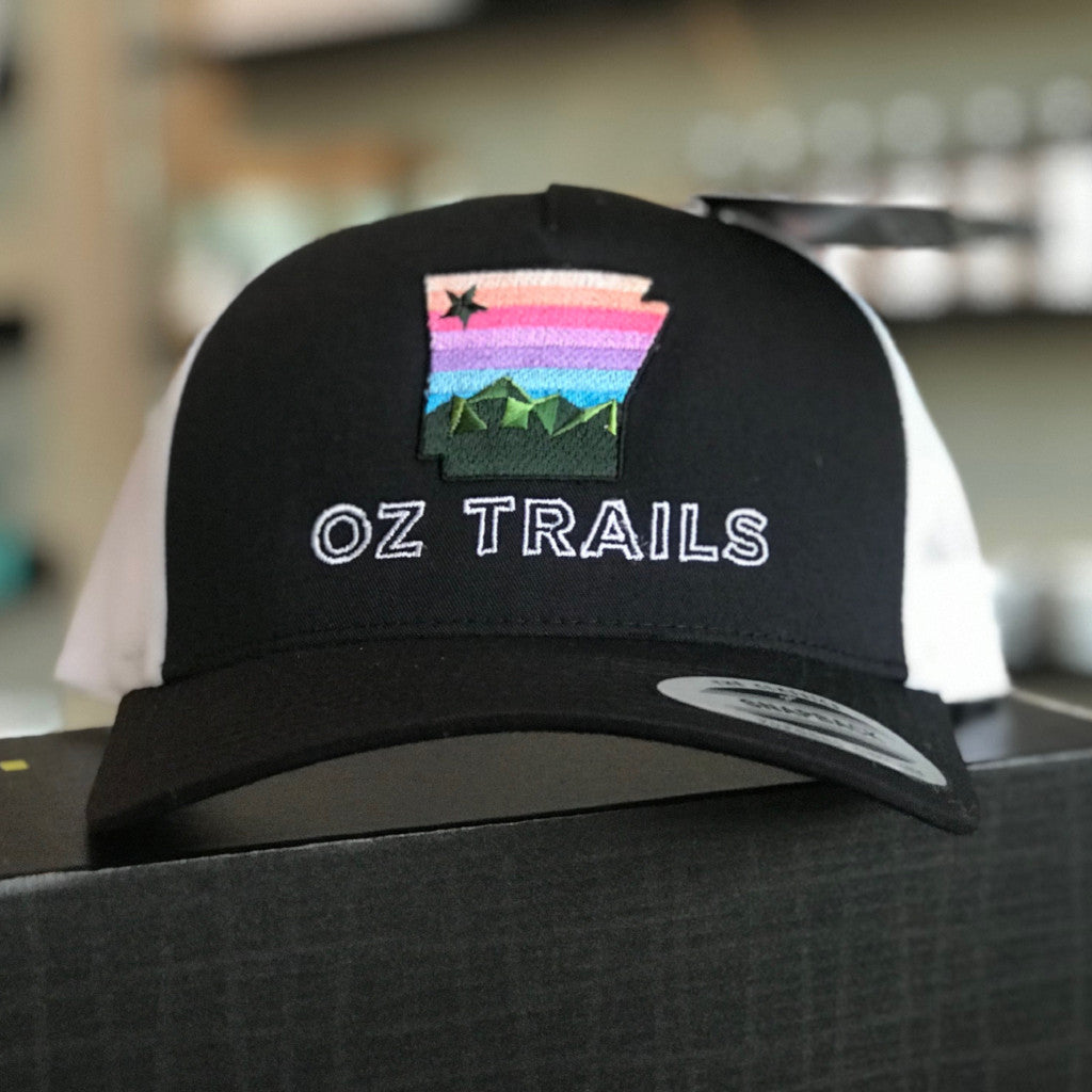 Oz Trail Hat (Black/White)