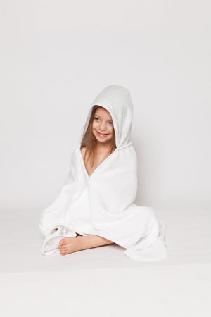 Kid with Hooded Toddler Bath Towel