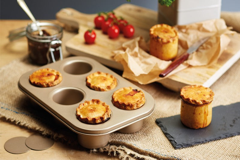 20% OFF Paul Hollywood Bakeware
