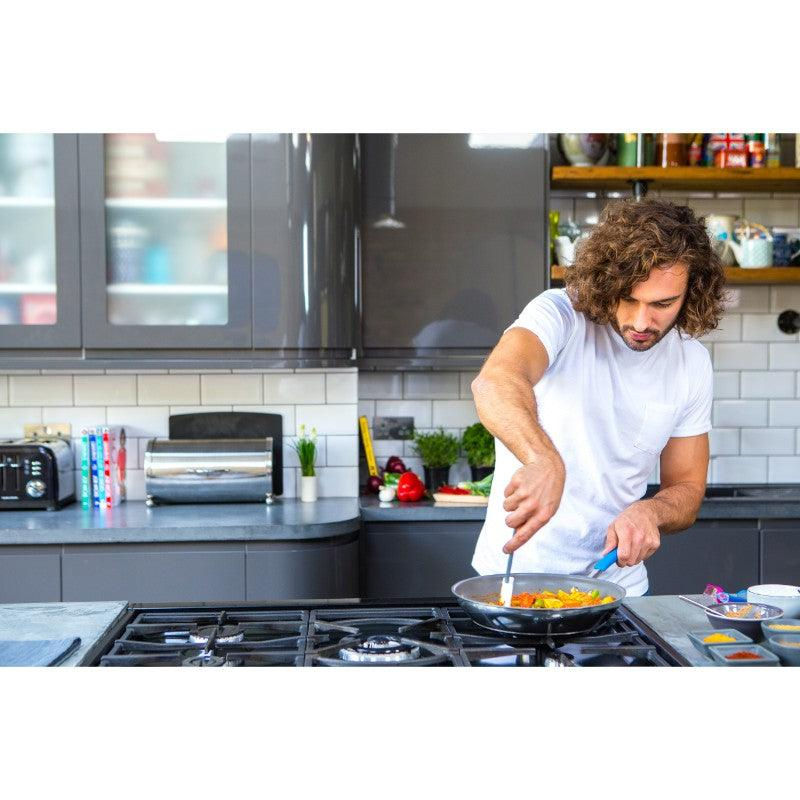 Joe Wicks Cooking Lifestyle