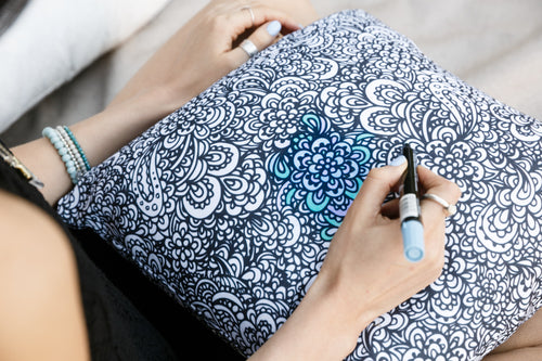Colouring in Pillow