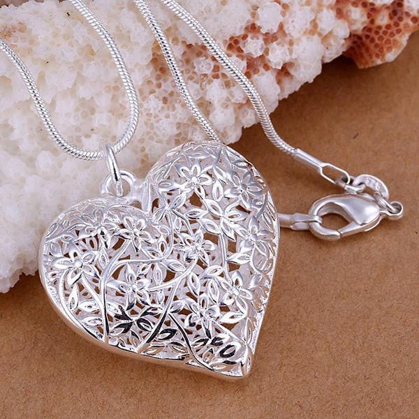 Heart Frosted Flower Necklace