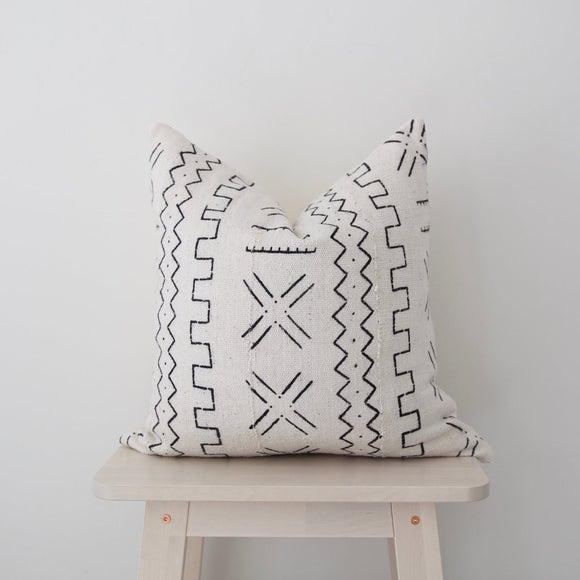 MAE WOVEN - Pillows (Square)