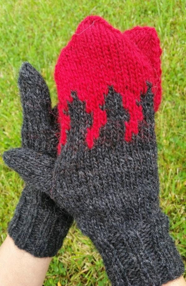 Free Icelandic Wool Mittens knitting pattern - Holuhraun – handknit.is