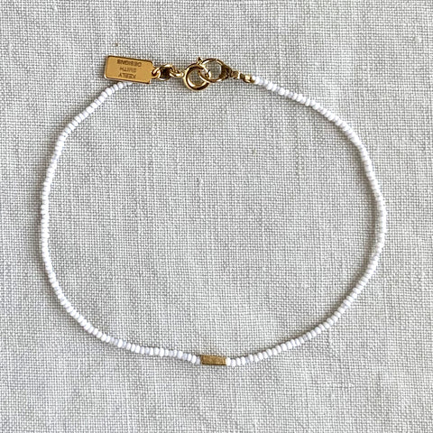 SUMMER MICRO BEADED BRACELET IN WHITE