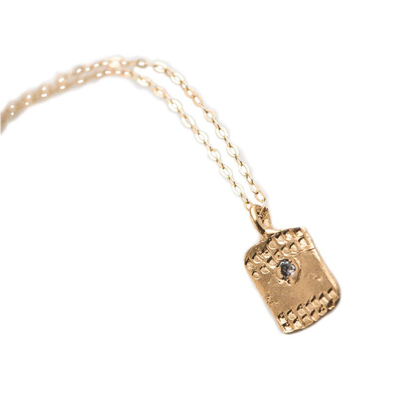 SMALL TAG TEXTURED NECKLACE IN GOLD - SKU278NLG