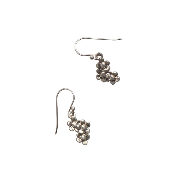 TRIPLE DAISY EARRINGS - STERLING - 411ER