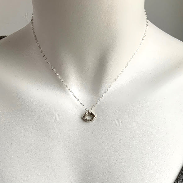 SKINNY MINI LIP CHARM NECKLACE - STERLING - 218NLS