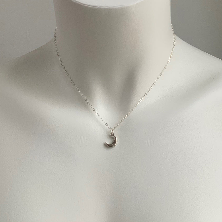 MINI MOON CHARM NECKLACE - SILVER - 239NLS