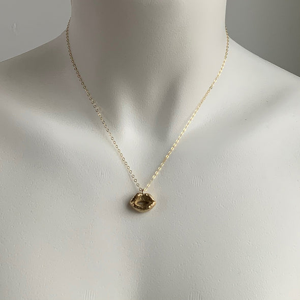 KISS CHARM NECKLACE- GOLD - 220NLG