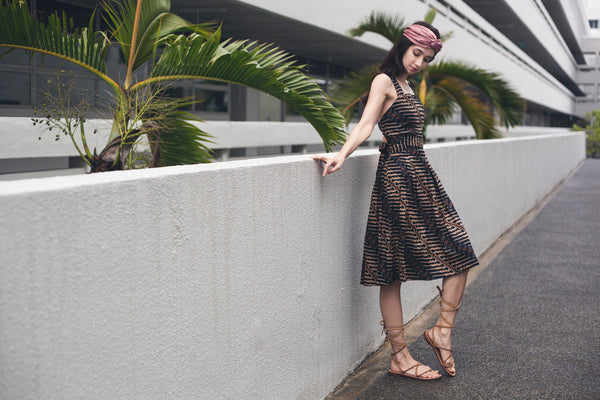Lilith pinafore beachdress in Coal