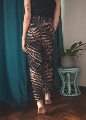 Dharma wrap pants in Coal
