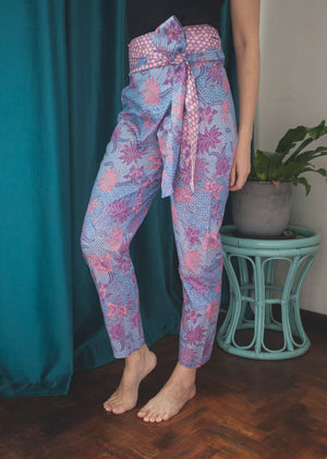 Dharma wrap pants in Mauve