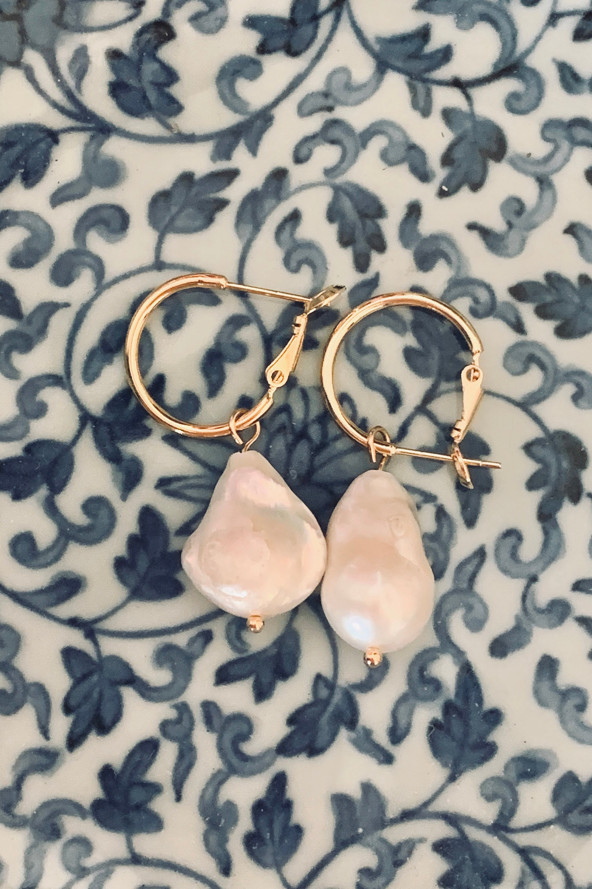 Iris earrings