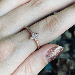 Shamrock rose gold ring
