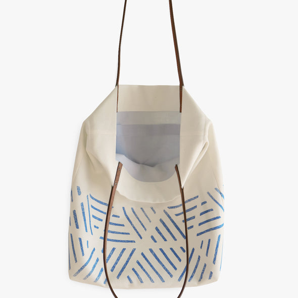 ONE SQUARE METER-rune • sunday bag