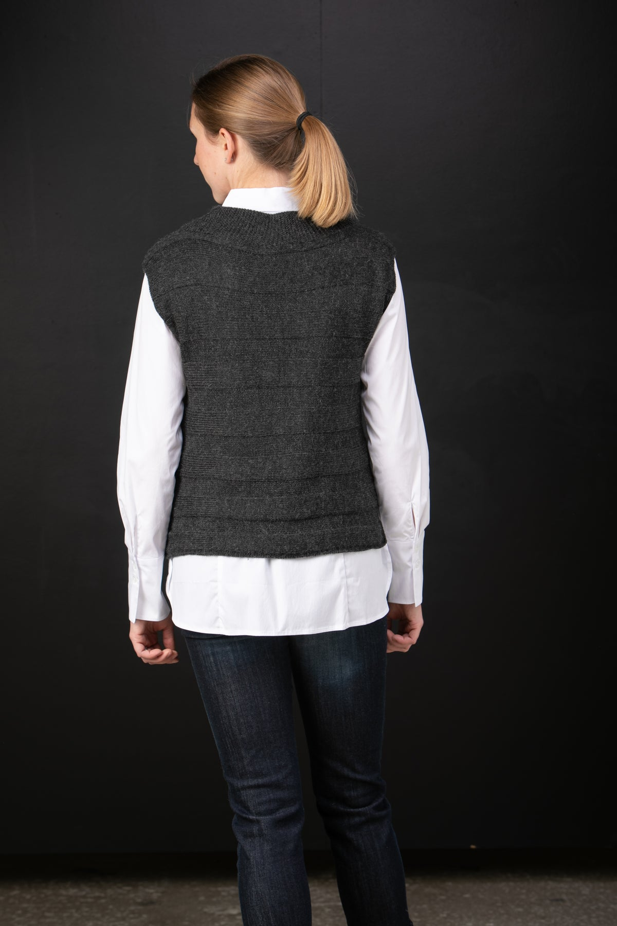 Chiri Ida baby alpaca pullover vest in Night - back view