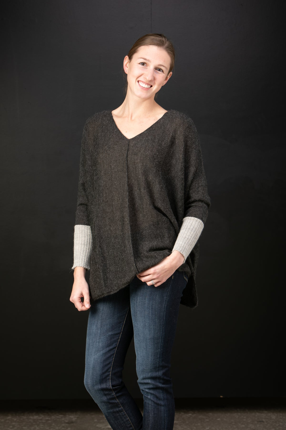 Chiri Luzita baby alpaca Vneck poncho in Night with frost cuff