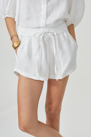 Elastic Shorts - White