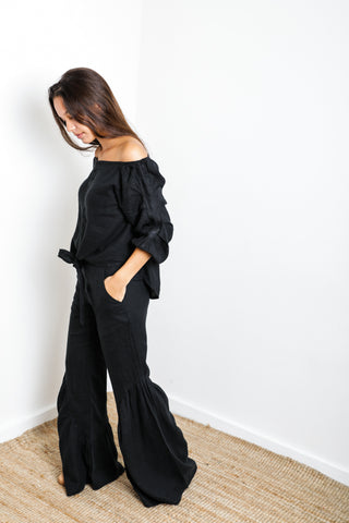 Palma Ruffle Short in Black Linen