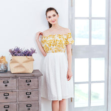 Load image into Gallery viewer, (Woman) Yellow floral strapless midi dress - lemonandmelonstore