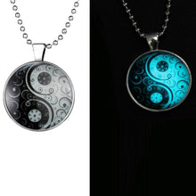Load image into Gallery viewer, Glow In The Dark Yin Yang - lemonandmelonstore