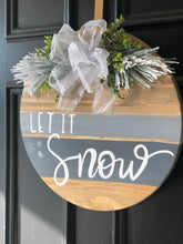 Load image into Gallery viewer, Let it snow wooden round wreath