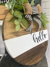 Load image into Gallery viewer, White stripe wood round wreath