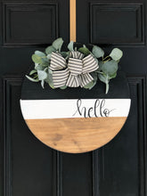 Load image into Gallery viewer, Tricolor wood round wreath