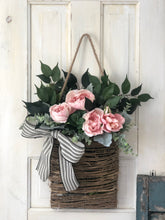 Load image into Gallery viewer, Spring basket wreath