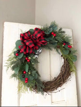 Load image into Gallery viewer, Twila winter wreath