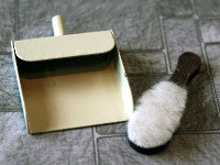 Dustpan & Brush-Dollshouse Hampshire