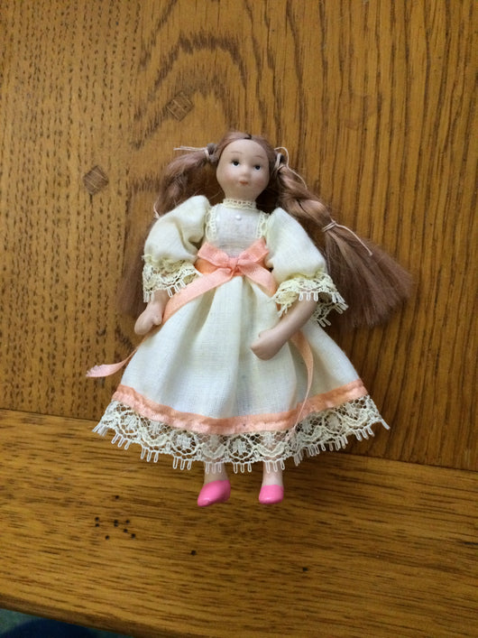 Vintage Dolls House Emporium Girl-Dollshouse Hampshire
