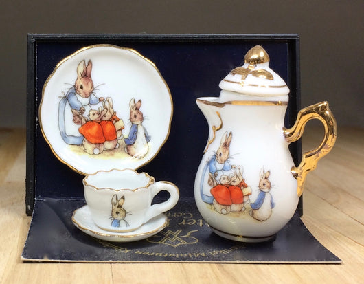 Slightly Larger Scale China Set-Dollshouse Hampshire