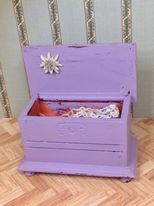 Vintage Shabby Chic Box-Dollshouse Hampshire
