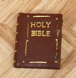 D.S. Vintage Bible-Dollshouse Hampshire