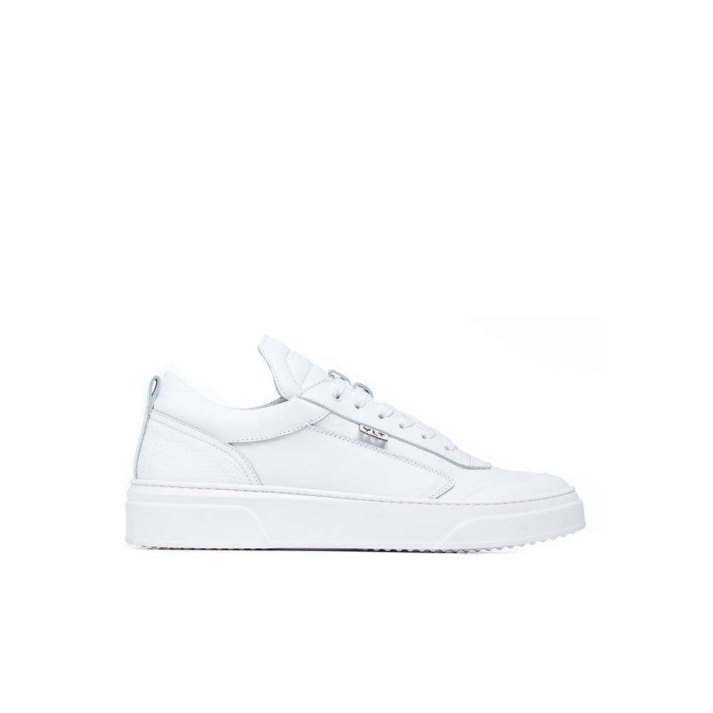 triple white low cut high quality leather  footwear