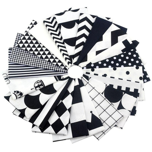 "21 Pieces Lot Patchwork Fabric (8"" x 10"") Black Crown Pattern"