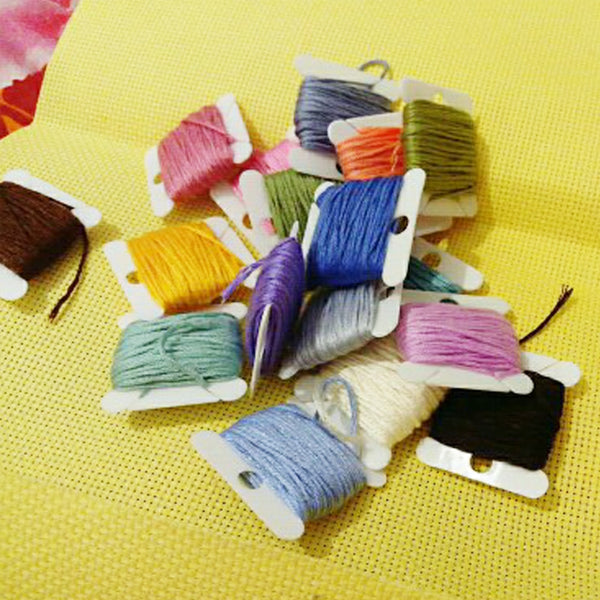 30 pcs Packed Plastic Thread Bobbins Spool