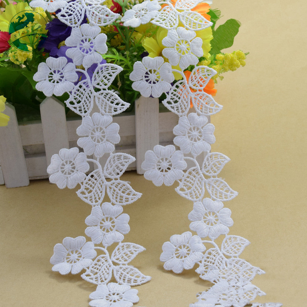 "2.1"" White Polyester Embroidery French Lace Ribbon Fabric"
