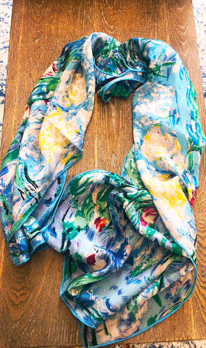 Scarf 100% silk with abstract patterns