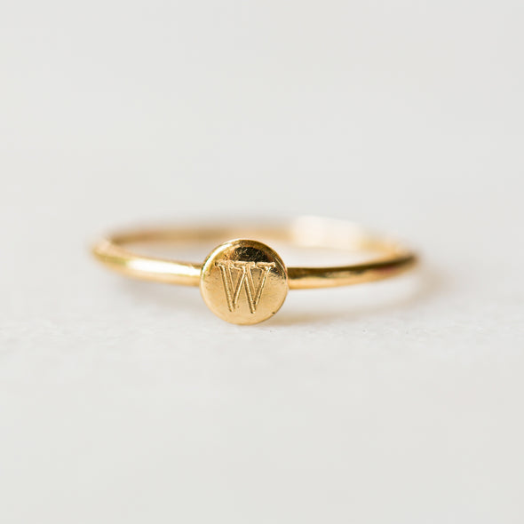 Mini Disc Initial Ring | 14-Karat